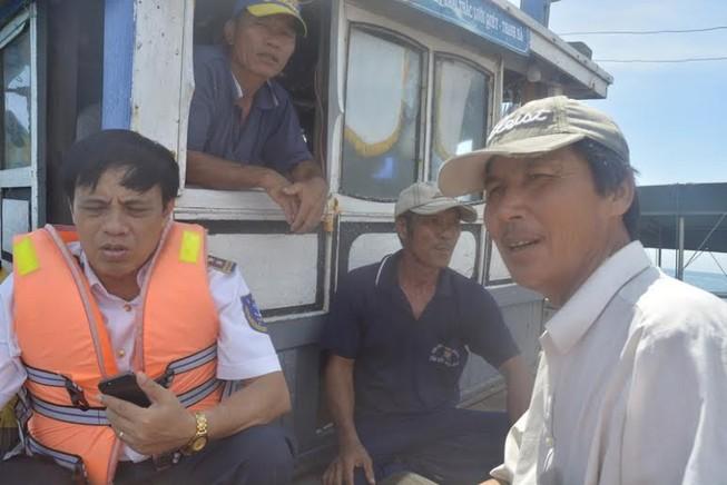 Đưa khách kẹt ở Cù Lao Chàm vào đất liền