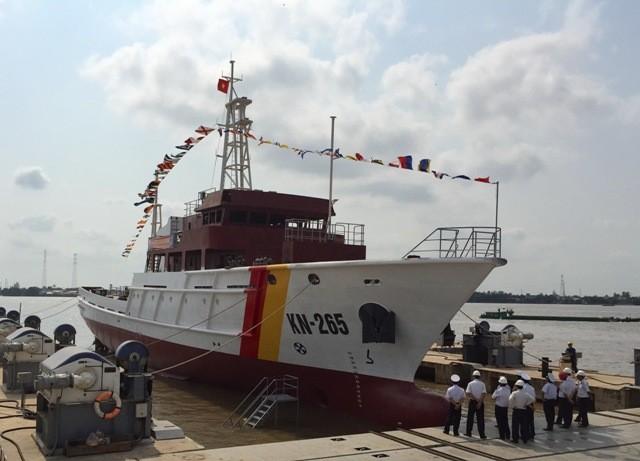 Hạ thủy tàu kiểm ngư vỏ thép 750 tấn KN-265