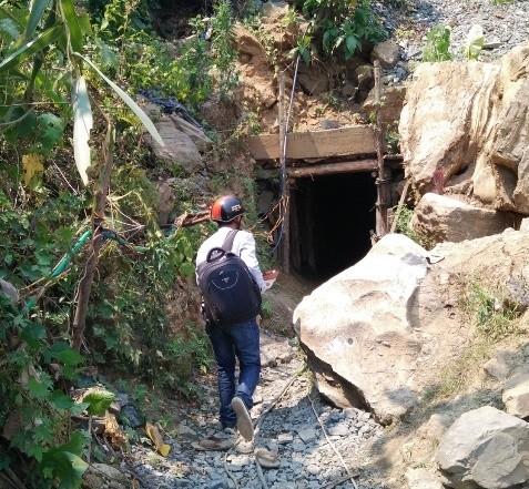 Bốn phu vàng tử vong: Vợ một cán bộ công an huyện bị tạm giam