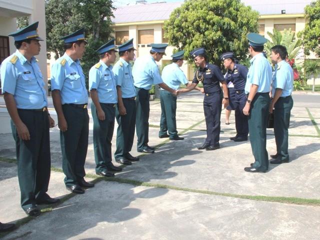 Đoàn sĩ quan trẻ Không quân Thái Lan thăm Việt Nam