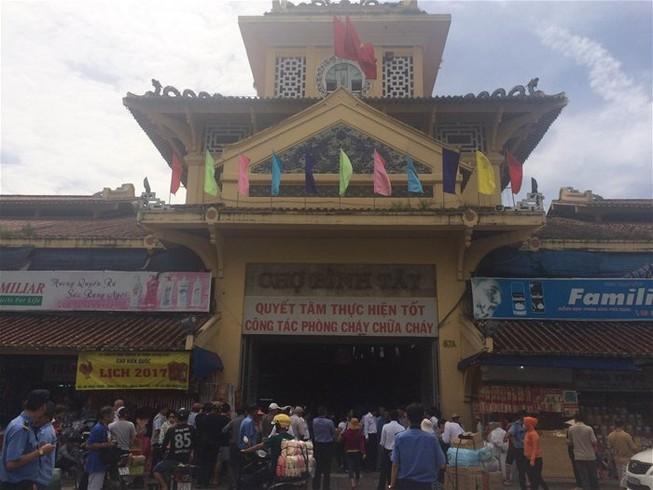 Từ ngày 15-11: Đóng cửa chợ Bình Tây một năm