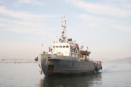 Tàu chết máy trôi trên biển Hoàng Sa đã 6 ngày