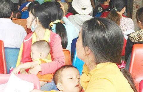 Nắng nóng, trẻ khám bệnh tăng 5%