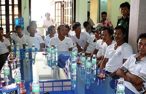 Cứu 36 thuyền viên bị nạn ở Trường Sa