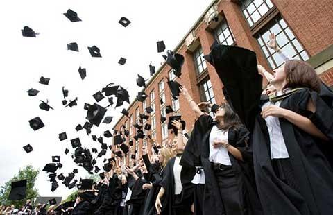 Giáo dục bậc cao: Hết thời học phí đi đôi chất lượng
