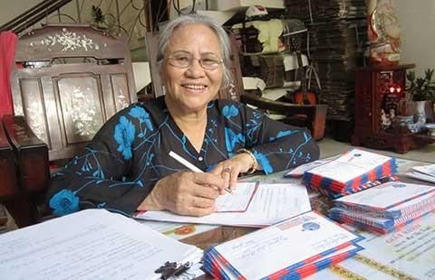Bà bán hột vịt lộn và 10.000 lá thư tìm mộ liệt sĩ
