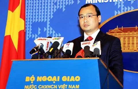 Phản đối Trung Quốc mở rộng các bãi đá ngầm ở Trường Sa