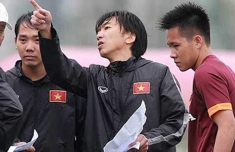 Vấn đề của bóng đá Việt Nam: Mâm và bát