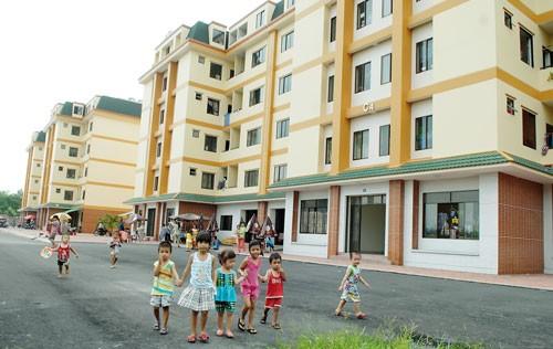 Bàn giao 322 căn nhà ở xã hội tại bốn chung cư