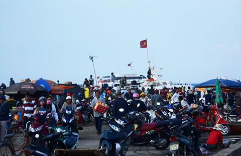 Trên 5.000 du khách ra đảo Lý Sơn dịp lễ 30-4