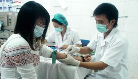 Hơn 2.000 cán bộ, nhân viên y tế bị nhắc nhở