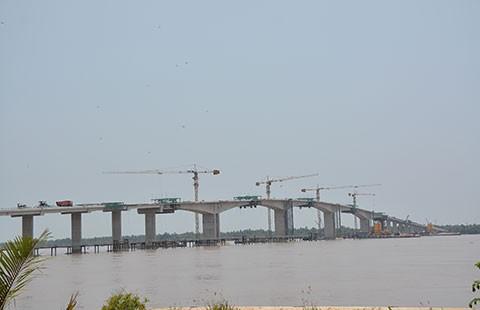 Hợp long cầu Cổ Chiên nối Trà Vinh - Bến Tre