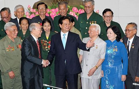 Thủ tướng gặp mặt cựu chiến binh và TNXP
