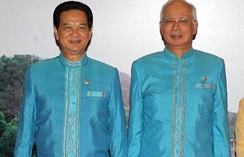 Thủ tướng Nguyễn Tấn Dũng dự Hội nghị cấp cao ASEAN 26