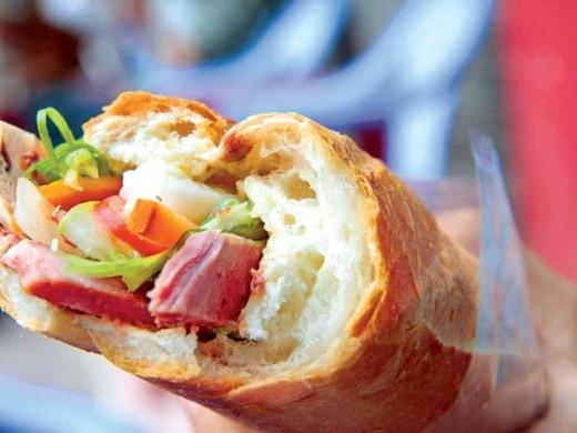Vụ 28 người nhập viện do ăn bánh mì: 100% mẫu thực phẩm nhiễm vi khuẩn
