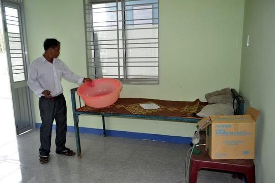Trạm y tế tiền tỉ nhưng chỉ có một giường bệnh