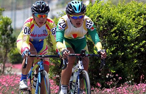 Đội tuyển xe đạp đường trường nữ: Tự bắn vào chân mình!