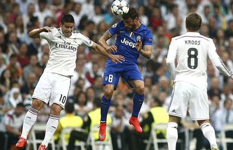 Real Madrid mất ngôi vì hụt hơi