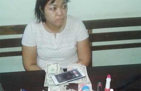 Nữ 'siêu trộm' ở shop thời trang bị 'hiệp sĩ' bắt