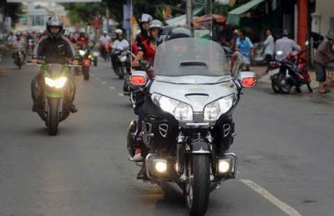 Bộ trưởng Thăng nghĩ gì về mô tô vào cao tốc?