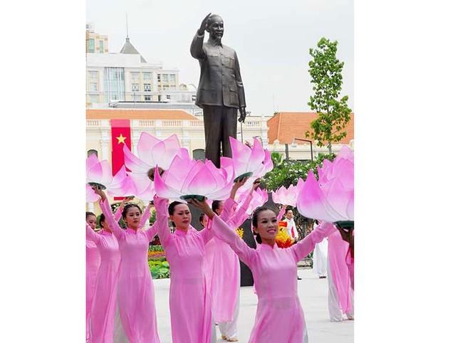 Chương trình đặc biệt 'Hồ Chí Minh đẹp nhất tên Người'