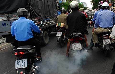 Bộ GTVT đề xuất: Thí điểm kiểm soát khói xe máy ở 5 TP lớn