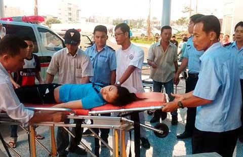 Hít khí độc, 60 công nhân ngất xỉu