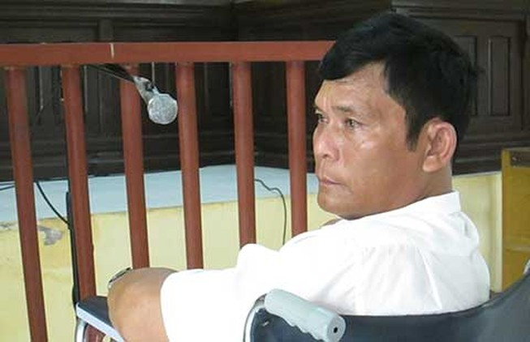 Tuyên án vụ 'ngồi xe lăn chống người thi hành công vụ'