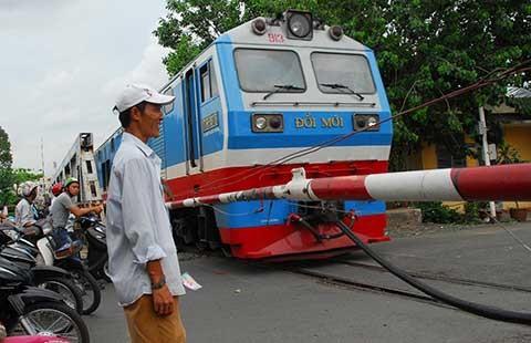 Tiếp tục nghiên cứu đường sắt cao tốc Bắc - Nam