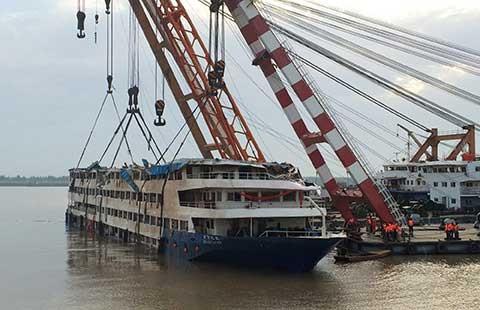 Tìm thấy 396 thi thể trong vụ chìm tàu Ngôi sao phương Đông