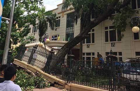 'Cơn giông ở Hà Nội mạnh như bão'