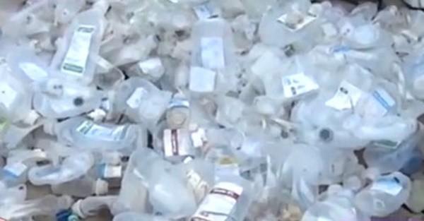 Đang kiểm nghiệm hộp đựng cơm tái chế từ rác thải y tế