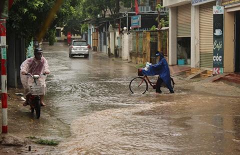 Bão số 1 gây mưa lớn ở miền Bắc