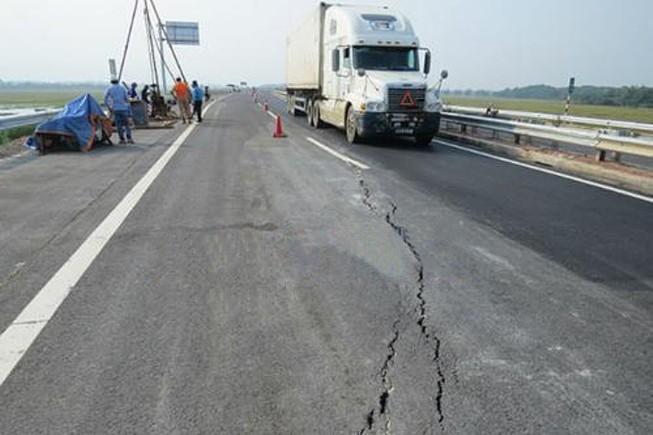 Bộ GTVT yêu cầu sửa ngay cao tốc Nội Bài - Lào Cai
