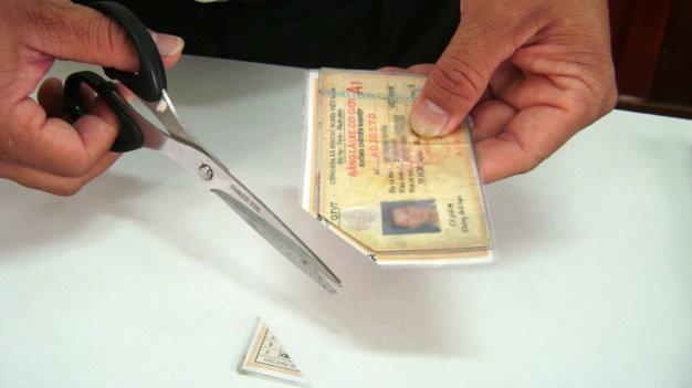 Sáu tháng, hơn 9.000 tài xế bị tước giấy phép lái xe