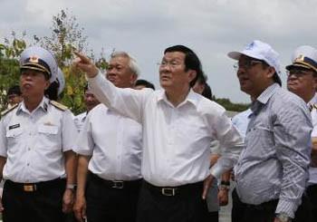 Chủ tịch nước kiểm tra công trình tượng đài chiến sĩ Gạc Ma