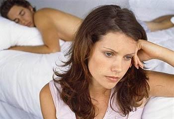 Ngủ ngáy làm mất hứng thú tình dục