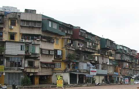 10.000 hộ dân đang sống trong nguy hiểm