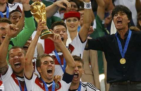 Vòng loại Euro 2016: Đừng lo vô địch thế giới Đức tuột dốc