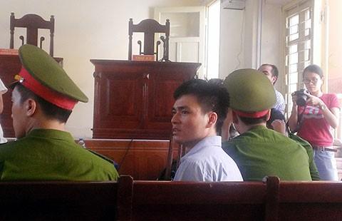 Vụ Lý Nguyễn Chung: Tòa có nên trả hồ sơ?