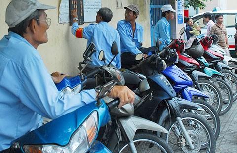Bỏ thu phí xe máy là hợp lòng dân!