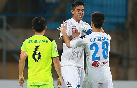 Bán kết cúp QG: Hà Nội T&T biến Hải Phòng thành cựu vô địch
