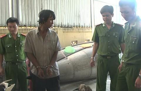 Thợ sửa xe chuyên 'đá xế' sa lưới