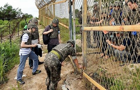 Quân đội Hàn Quốc tăng mức báo động tối đa