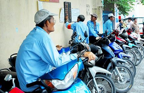 Thiếu tầm nhìn trong đề xuất thu phí xe máy