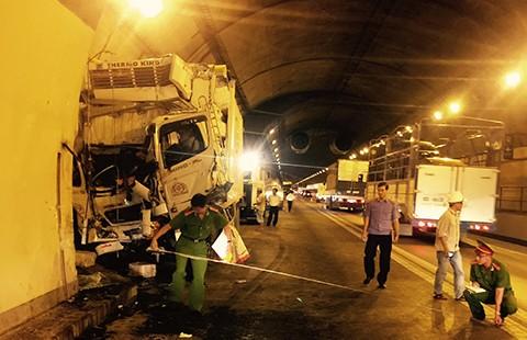 Tai nạn chết người trong hầm Hải Vân