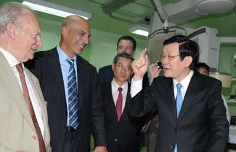 Chủ tịch nước dự khánh thành khu kỹ thuật Viện Tim TP.HCM