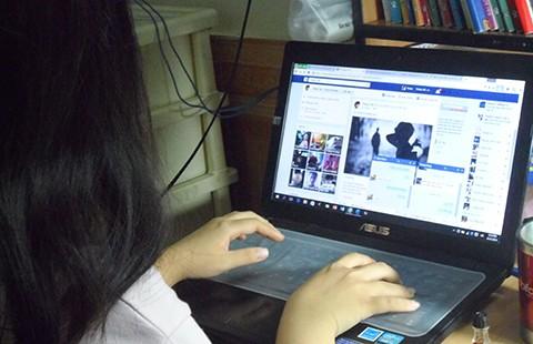 'Em thấy dùng Facebook có lợi cho học tập'