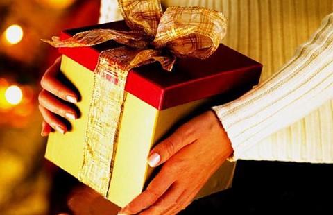 Quan chức nhận quà tặng có thể  ở tù
