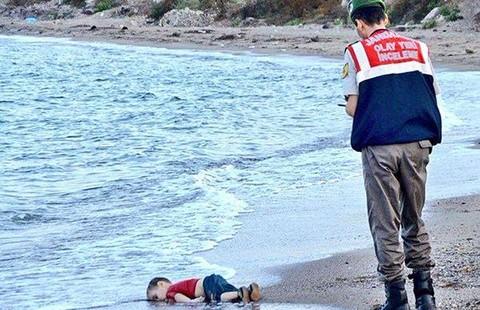 Bức ảnh gây sốc toàn châu Âu